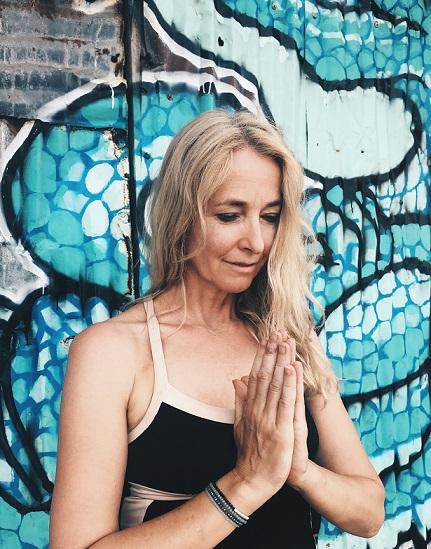 Mariëlle Scholten voor Yogatality yoga in Vught